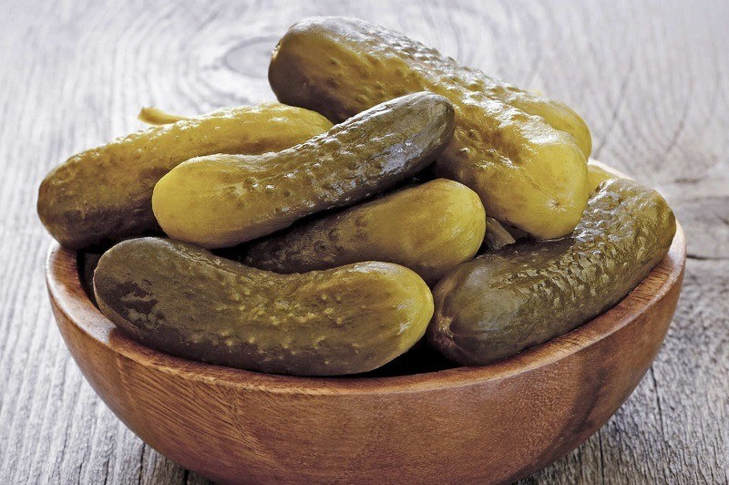 Can-dogs-eat-pickles-1